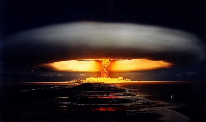 atomexplosion-695x413