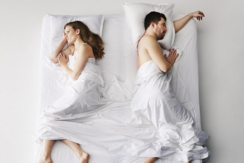 mid-adult-couple-sleeping-in-bed-elevate-1-800x533